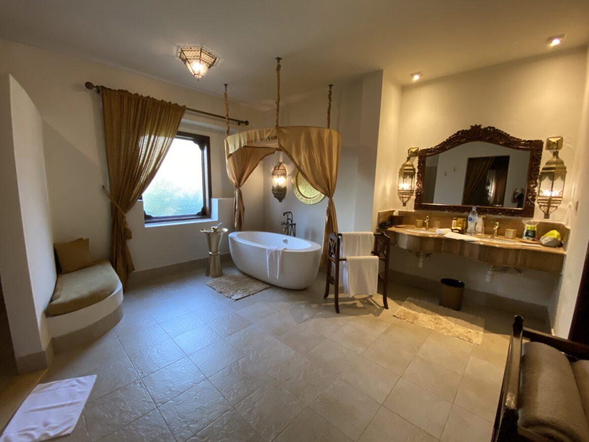 Baraza Resort bathroom