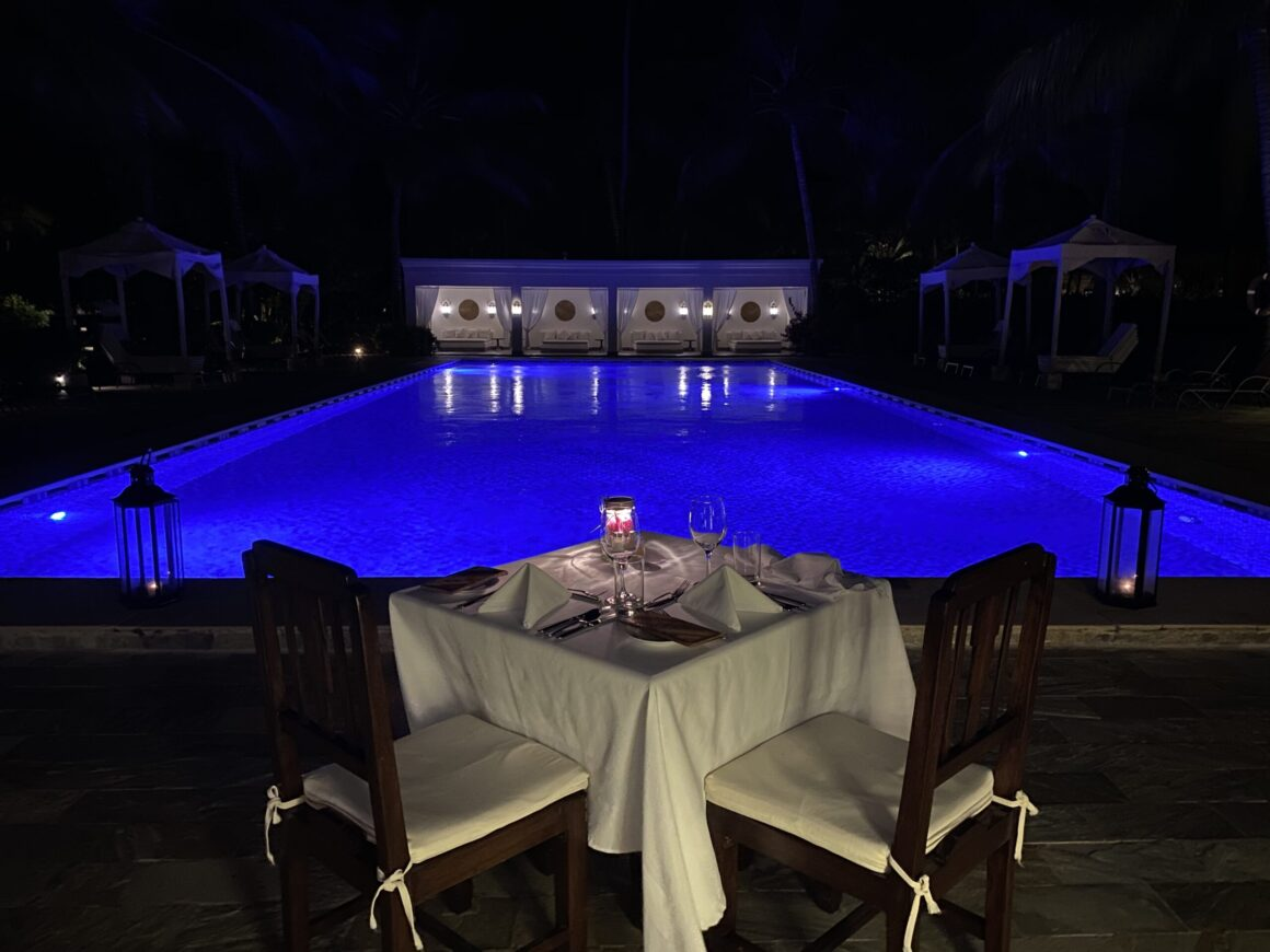 Baraza Resort dining by the pool