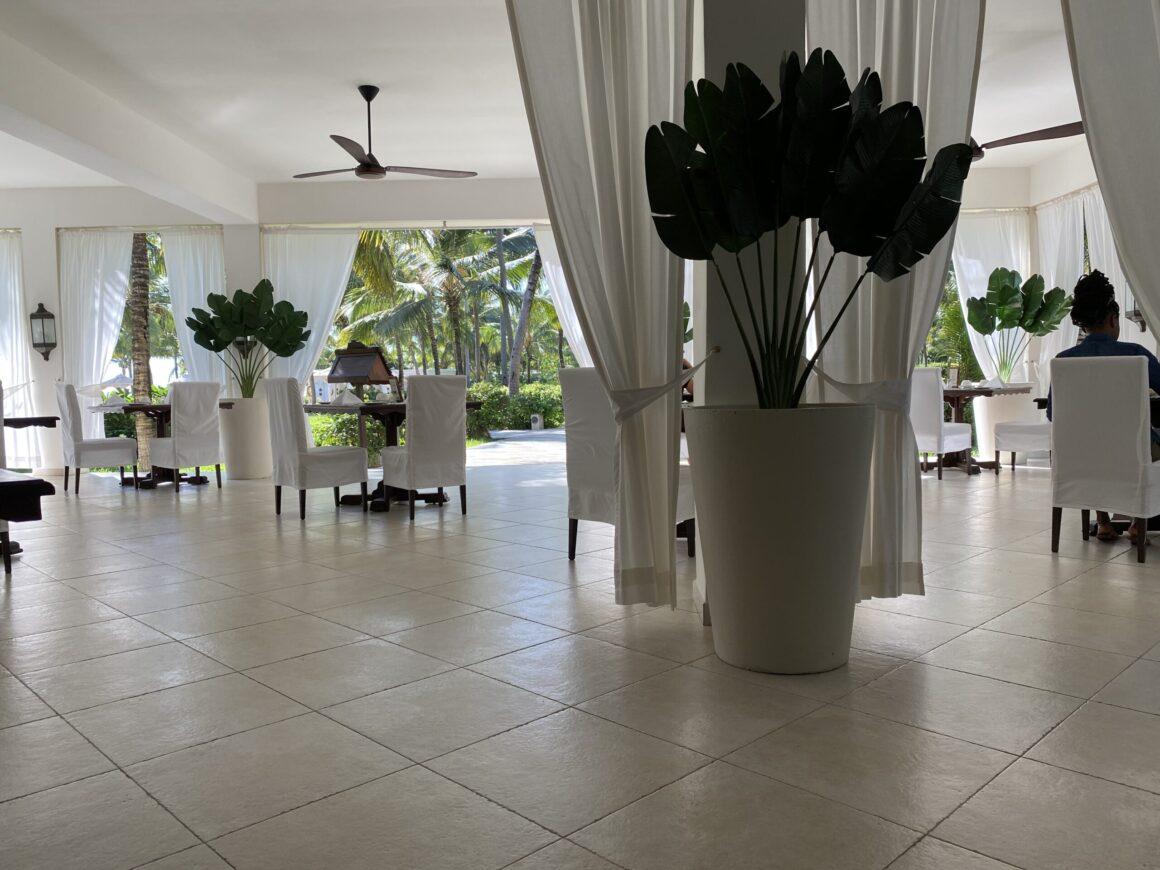 Baraza Resort dining room