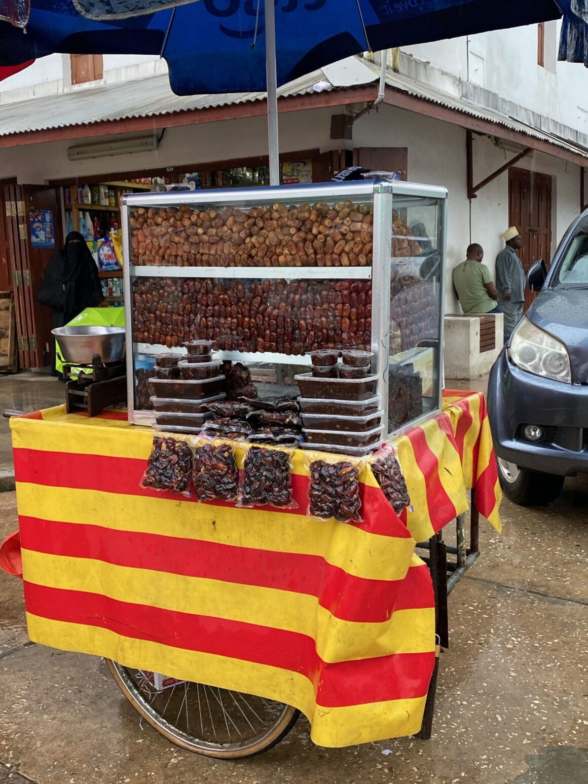Darajani Market fresh fig vendor